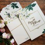 Pilihan Bingkai Undangan Warna Terbaik dan Romantis